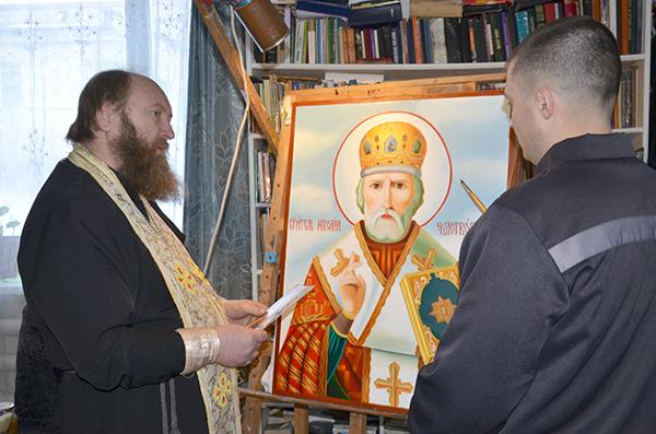 В учреждениях УИС Алтайского края осужденных обучают православной живописи